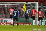 Liga Belanda-PSV dipecundangi AZ Alkmaar 1-3 sekaligus gagal geser Ajax dari puncak