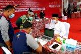 Membangun kepercayaan masyarakat Kalteng melalui pencanangan vaksinasi COVID-19