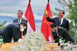 Menlu Wang telepon Luhut, China siap tingkatkan kerja sama vaksin dengan RI