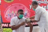 Sejumlah pejabat di Bandarlampung jalani vaksinasi pertama