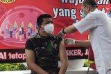 Vaksinasi tenaga kesehatan di Kota Bandarlampung dilaksanakan Senin