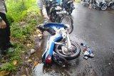 Dua sepeda motor di Pringgarata Lombok Tengah