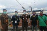 KLHK serahkan tersangka perdagangan kayu ilegal asal Ambon ke Kejari Sikka