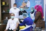 Wali Kota Palembang disuntik vaksin perdana memotivasi mayarakat