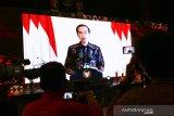 Presiden Jokowi minta industri jasa keuangan jangan hanya melayani