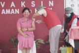 Ketua Bhayangkari Sulut mengajak masyarakat sukseskan vaksinasi COVID-19