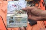 Kalung rosario dan cincin penumpang Sriwijaya Air ditemukan