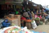 Aktivitas pasar  tradisional   Mamuju berangsur normal