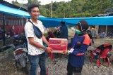 Relawan Mimika Papua serahkan bantuan kepada korban gempa di Mamuju