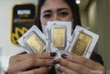Emas naik 5,2 dolar meski terganjal lonjakan imbal hasil obligasi