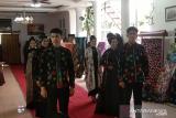 Bupati Pesisir Selatan luncurkan batik motif COVID-19 (Video)