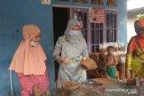 Dekranasda Pariaman dorong IKM pot bunga sabut kelapa rekrut warga jadi tenaga kerja