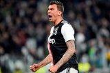 Mario Mandzukic pikul beban patahkan kutukan nomor sembilan Milan