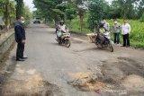 Kerusakan jalan di Kotim rawan picu kecelakaan berulang