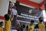Bantuan bola untuk anak didik lapas anak klas 1A Palembang