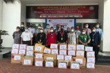 Kantor imigrasi Makassar dan Parepare salurkan bantuan untuk korban gempa Sulbar