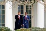 Donald Trump akhiri jabatan presiden, tinggalkan Gedung Putih