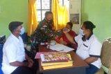 Babinsa Koramil Sentani lakukan komsos di Kelurahan Hinekombe