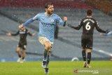Liga Inggris-Manchester City rebut puncak klasemen seusai bungkam Aston Villa 2-0