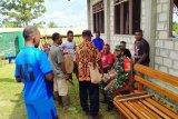 Babinsa Koramil Unurumguay gelar komsos dengan ketua musik suling tambur