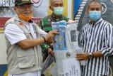 Rektor UNM salurkan langsung bantuan kemanusiaan ke Sulbar