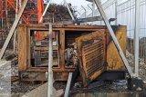 Antara alam dan vandalisme bangun telekomunikasi belantara Papua