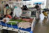 Dinkes Sulbar optimalkan posko kesehatan layani pengungsi