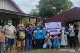Loka Minaula Kendari beri bantuan lansia korban banjir Maluku Utara