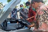 Dukung kendaraan ramah lingkungan, PLN Sumbar kunjungi showroom mobil listrik