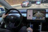 Insinyur baru kerja tiga hari dituduh mencuri dokumen rahasia Tesla