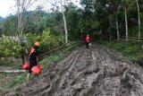 Relawan Mapala UMI salurkan bantuan untuk daerah terisolir Sulbar