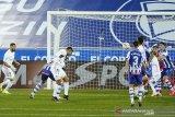 Benzema dan Hazard berhasil bawa Real taklukan Alaves