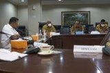 Gubernur Papua Barat Dominggus Mandacan temui Moeldoko di Jakarta
