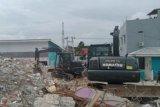 TNI AD bersihkan puing RS Manakarra Mamuju