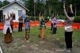 Pengungsi dari lereng Gunung Merapi di barak Glagaharjo Sleman dipulangkan