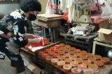Pandemi, pengrajin kue keranjang di Solo hentikan produksi