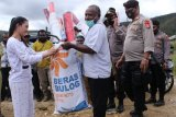 Polres Paniai kawal distribusi bansos ke korban banjir