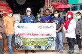ANTARA bantu warga korban gelombang pasang di Batam