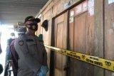 Polisi selidiki temuan sekeluarga diduga bunuh diri