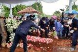 Kru Sriwijaya Air antar jenazah Kapten Afwan ke TMP di Cibinong, Bogor