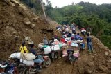 178 organisasi relawan terlibat membantu pengungsi Sulbar