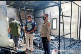 Seorang bayi tewas dalam kebakaran dua rumah petak di Pelalawan