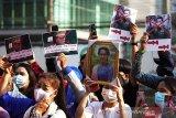 Myanmar kini gunakan helikopter tempur untuk serang anti-junta