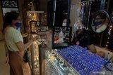Perhiasan bisa jadi ide THR untuk wanita rayakan Idul Fitri
