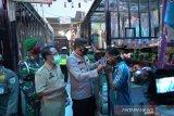 Polres dan Pemkab Batang bagikan 1.500 masker kepada pedagang pasar