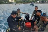 Seorang purnawirawan TNI terseret ombak