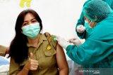 Nakes RSUD Tamiang Layang mulai disuntik vaksin COVID-19