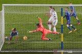 Everton cetak rekor saat kalahkan Leeds di Elland Road
