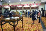 Ketua DPRD Manado lantik Cicilia Longdong sebagai PAW Fransesca Kolanus