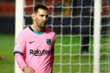 Luis Suarez sebut Lionel Messi bebas pensiun di mana pun